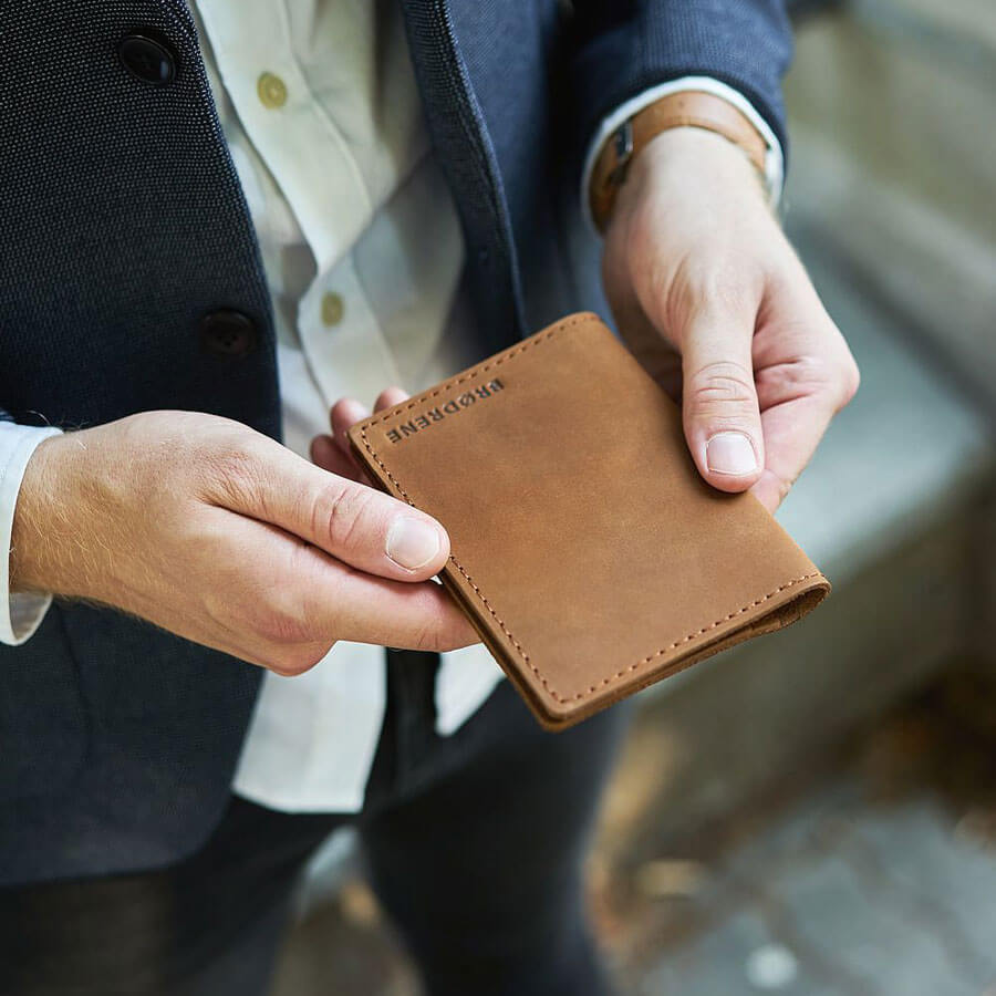 03c6600526704 ... Skórzany cienki portfel slim wallet BRODRENE SW01 jasnobrązowy ...