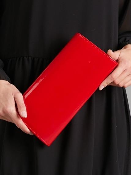 Kopertówka wizytowa lakierowana na łańcuszku czerwona Rovicky