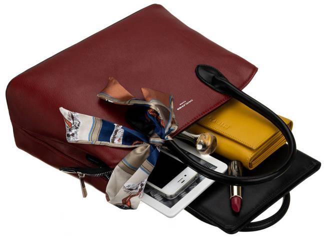 Kuferek bordowy z ozdobną apaszką David Jones CM6214 DARK RED