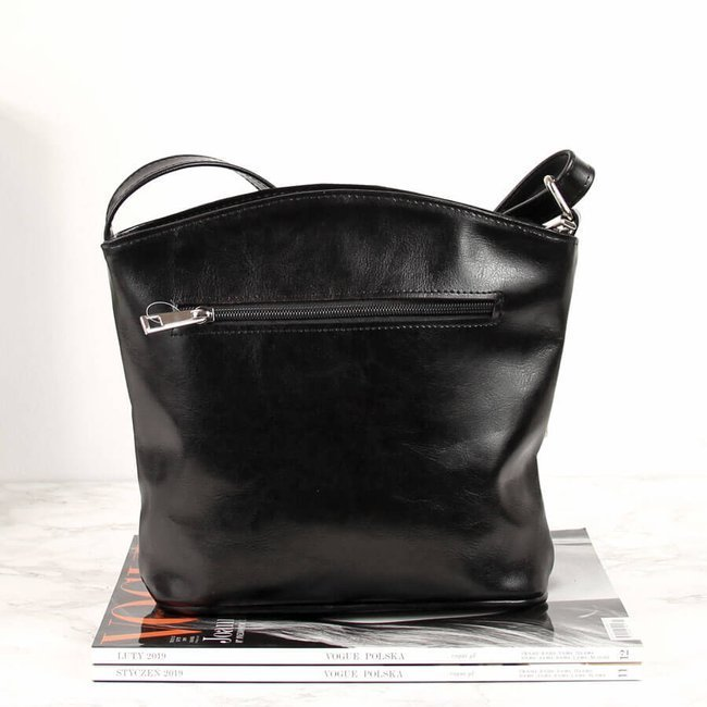 Skórzana listonoszka damska czarna DAN-A T431 czarna