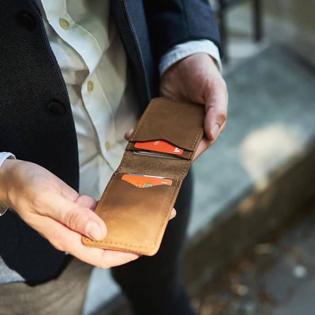 Skórzany cienki portfel slim wallet BRODRENE SW02LB jasnobrązowy