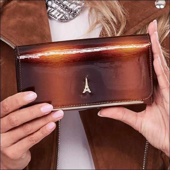Skórzany portfel damski lakierowany brązowy Paris Design 74110