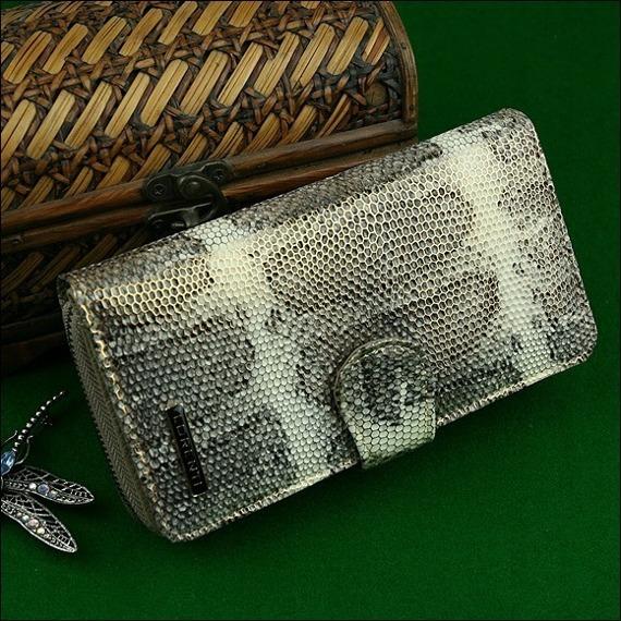 Skórzany portfel damski wzór skóry węża złoty Lorenti 76116